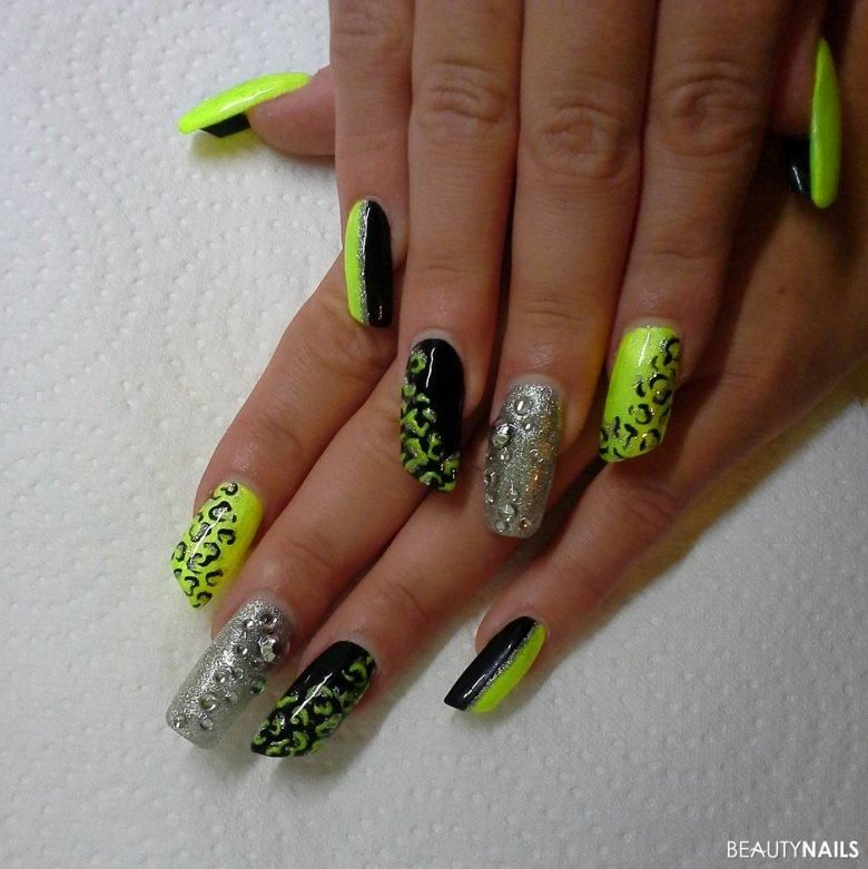 kitschige n gel nageldesign bilder galerie in neon nails pinterest nageldesign bilder. Black Bedroom Furniture Sets. Home Design Ideas