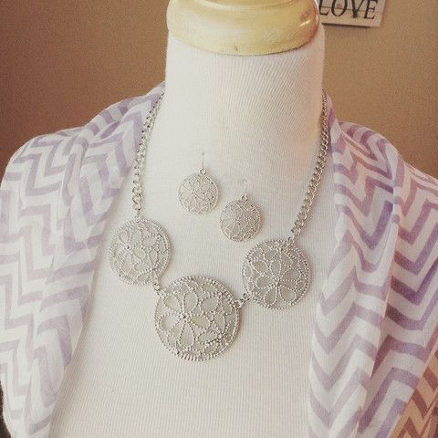 Necklace and earring set {Flowers}