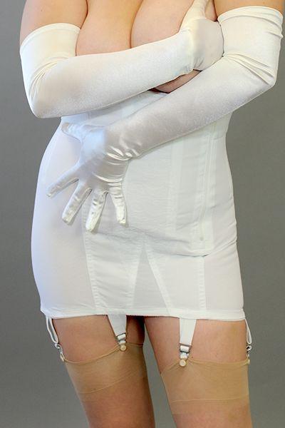 0aa1c706320ac venus-6007-open-bottom-zip-girdle-brabarella Shapewear