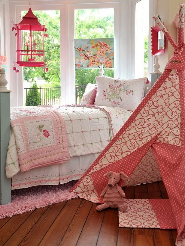 Childrens Rooms Pretty In Pink Home Furnishings Beautiful Bedrooms Good Furniture Placement For Small