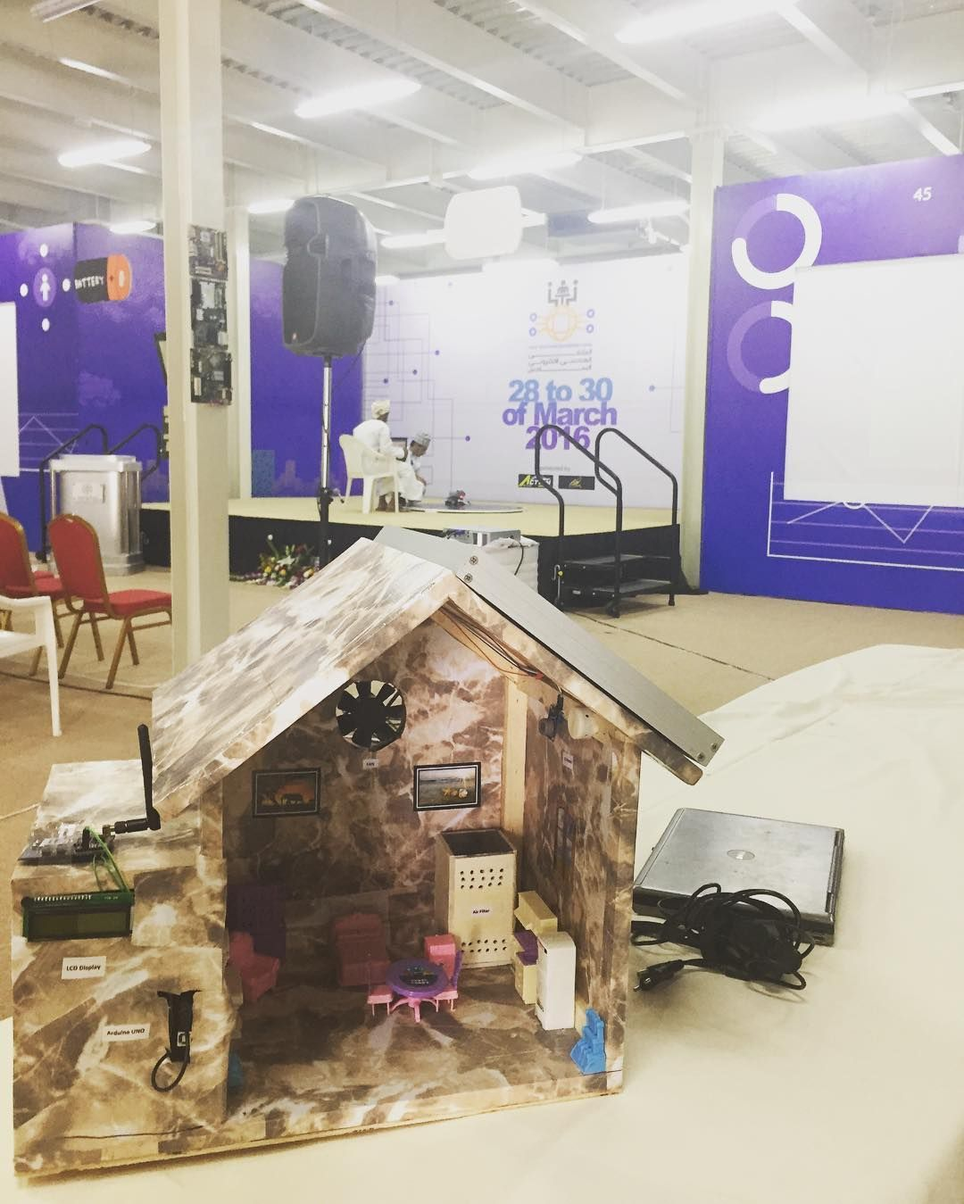 The Air Quality Project On Instagram الملتقي الهندسي الالكتروني السادس في كلية الشرق الأوسط صورة المشروع Loft Bed Decor Instagram Posts