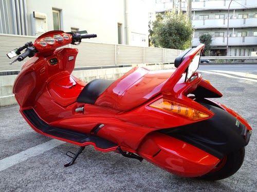 Akira 金田のバイクと大型スクーター 金田のバイク Akira 金田 スクーター