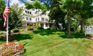Charming B B In Coastal Maine Town Groupon Bed And Breakfast Maine Bed And Breakfast Ogunquit Maine
