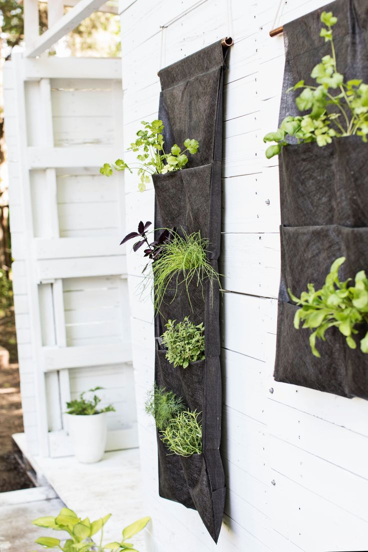 Best 15+ Creative DIY Vertical Garden Ideas to Increase For Your Home Outdoor - #Bacafleurspourl'ete #Havredepaixjardin #Jardinierdébutant #Jardinièrefleursprintemps #Jardinièrepyramide #Potagerangle #kleinekräutergärten