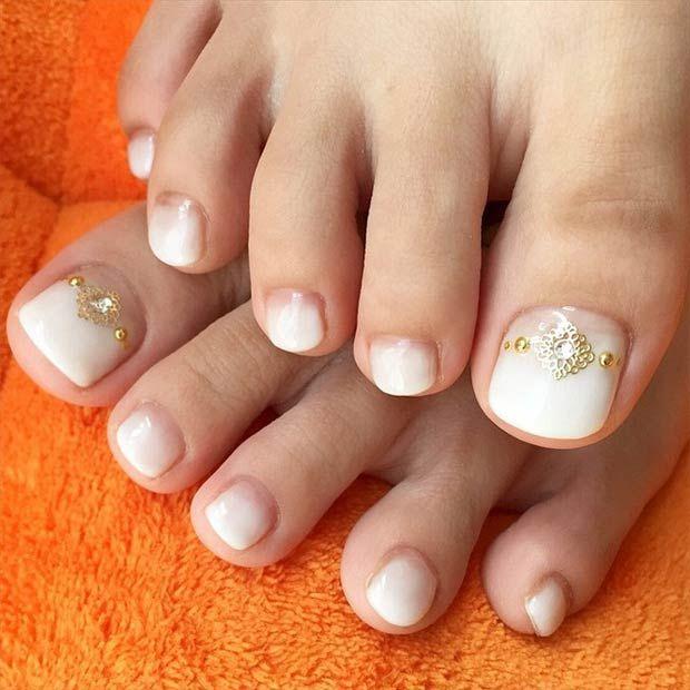 Elegant Ombre Toe Nail Design