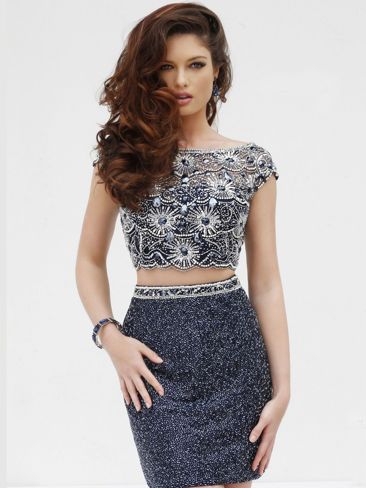 Shine the night away in this outstanding sherri hill cocktail dress shine the night away in this outstanding sherri hill cocktail dress and look stunning this ombrellifo Gallery