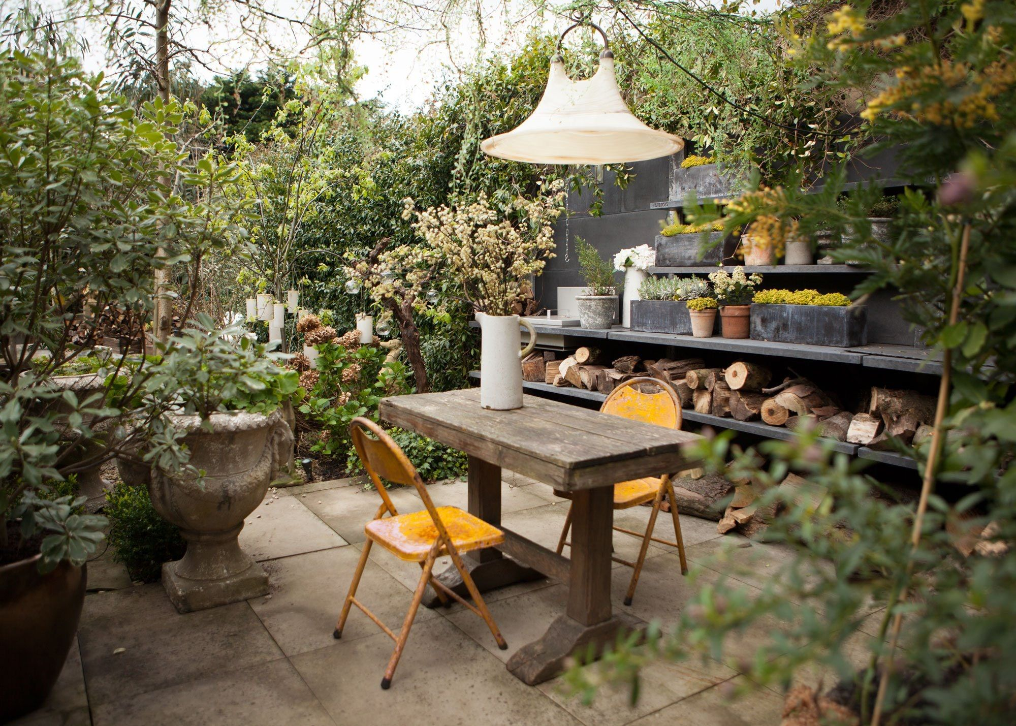 Best Abigail Ahern's Dark And Dramatic East London Home 640 x 480
