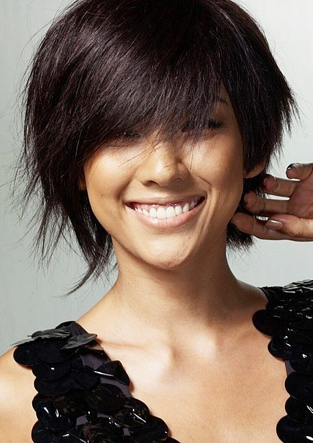 Lee hyori short layered choppy hairstyle for women with fine hair short hairstyles have never been so chic and feminine dont hide yourself behind long hair while you can make the most of your eyes solutioingenieria Choice Image
