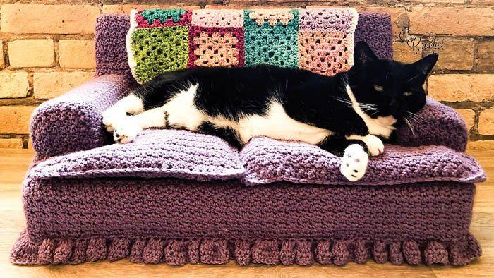 Crochet Kitty Couch Pattern The Crochet Crowd In 2020 Crochet Cat Crochet Cat Bed