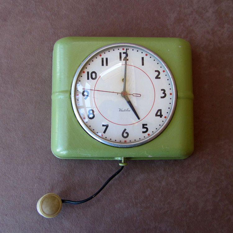 Vintage 1950s Westclox Belfast Electric Kitchen Wall Clock Metal Retro Green Retro Wall Clock Kitchen Wall Clocks Office Wall Clock