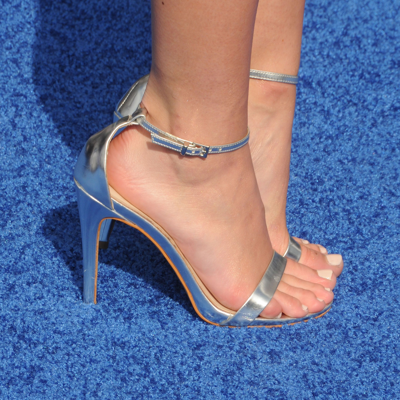 Olivia Holt's Feet