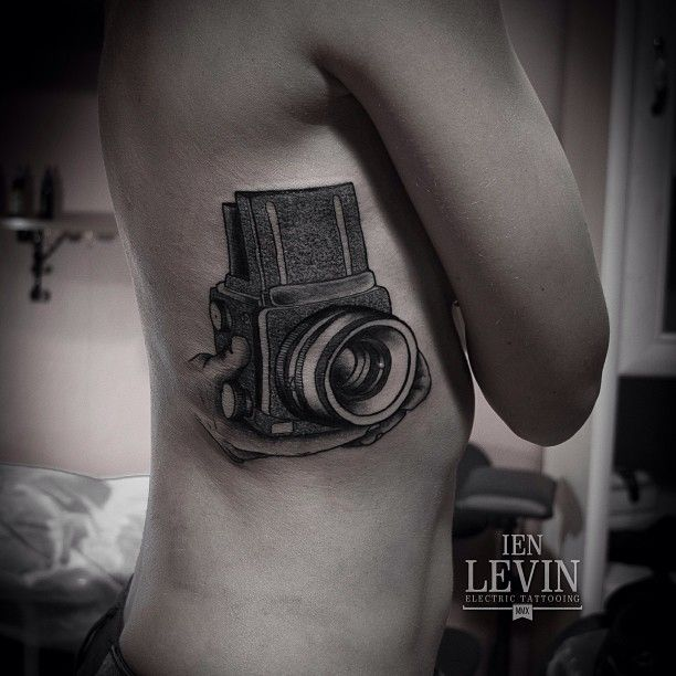 La photo dans la peau... Tattoo by Ien Levin