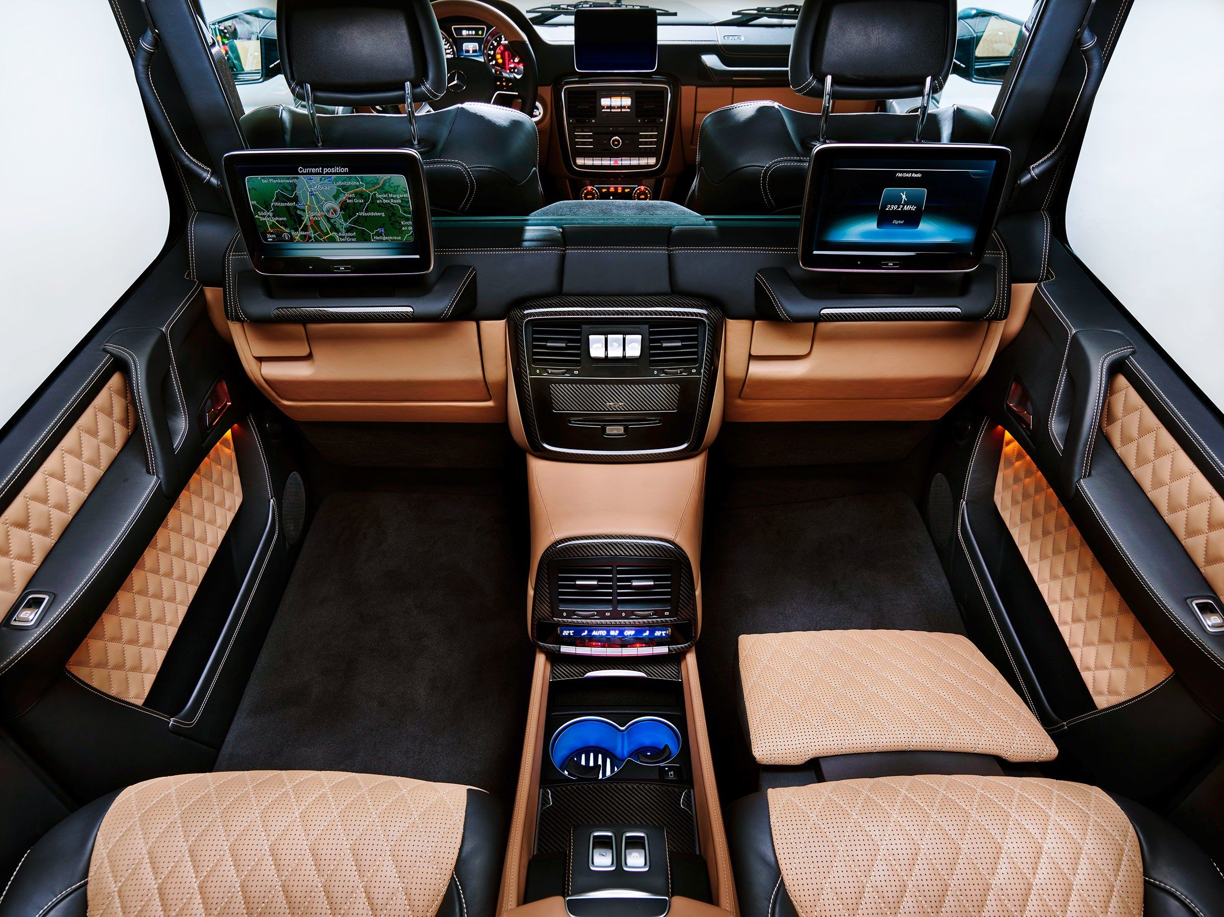 Mercedes Somehow Makes The Ultra Luxe G Wagen Even Swankier Mercedes Maybach Maybach Mercedes Benz Maybach