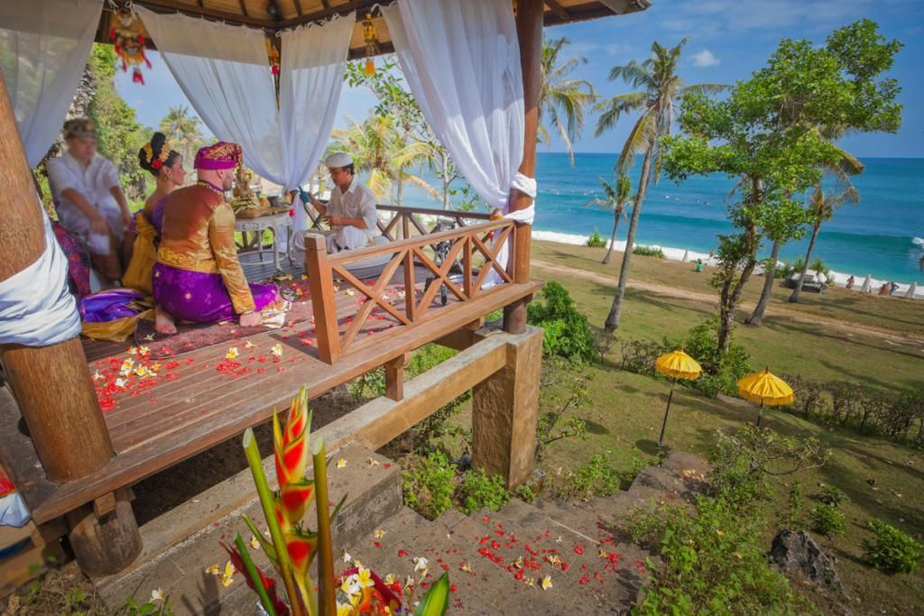 Heiraten Am Meer Die 10 Schonsten Strande Fur Eine Traumhochzeit Heiraten Im Ausland Heiraten Heiraten Am Strand
