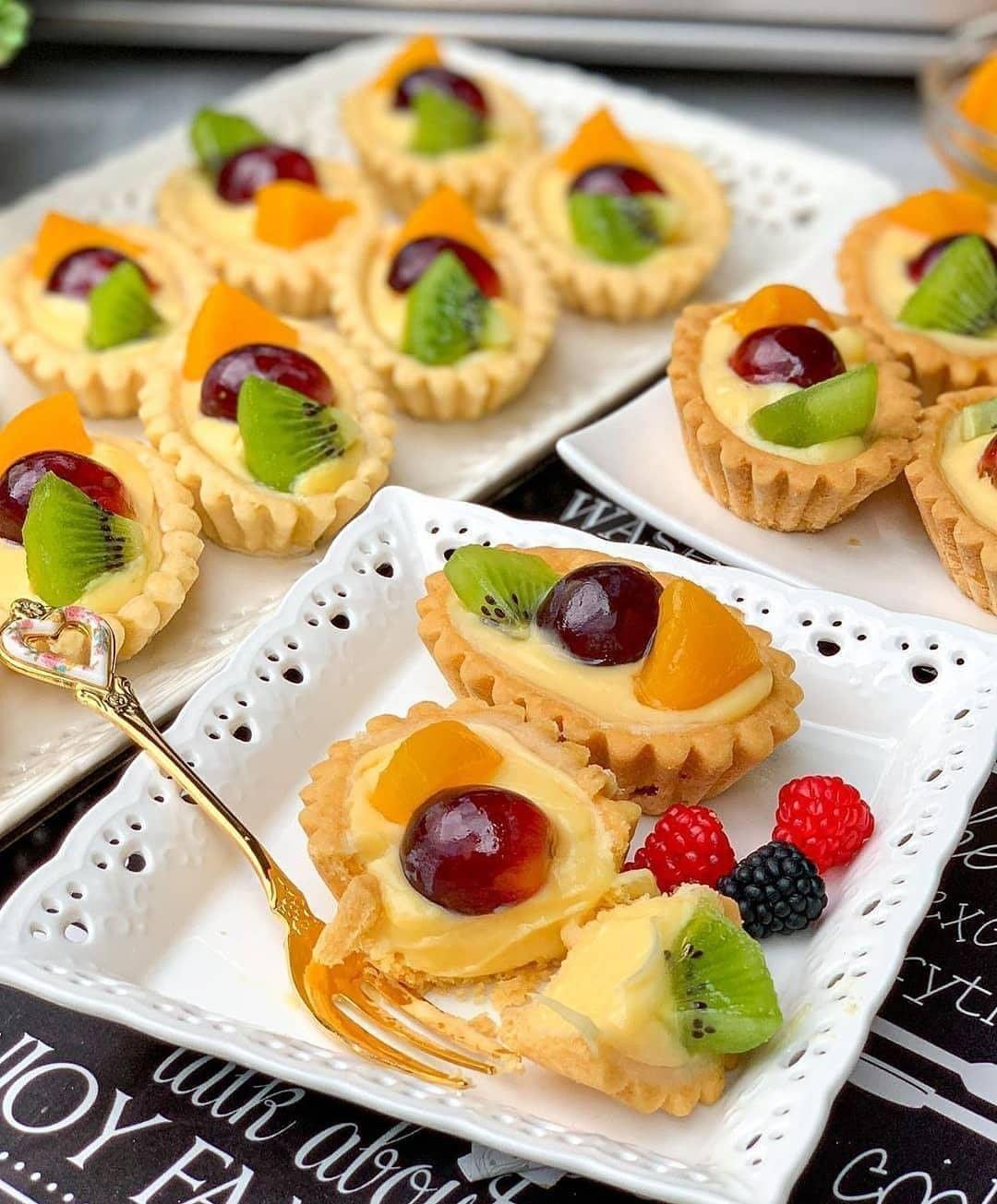 Resep Kue Pilihan Resepkuepilihan Posted On Instagram Fruit Pie By Vitakwee Bahan Kulit Ncc Fruit Tart Recipe Easy Easy Tart Recipes Fruit Tart Recipe