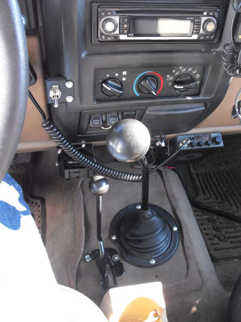 Old School Cj Style Shifter In Tj Half Console Tj Mod Custom Transfer Case Shifter Jeepforum Com Jeep Tj Diy Jeep Diy Jeep Accessories