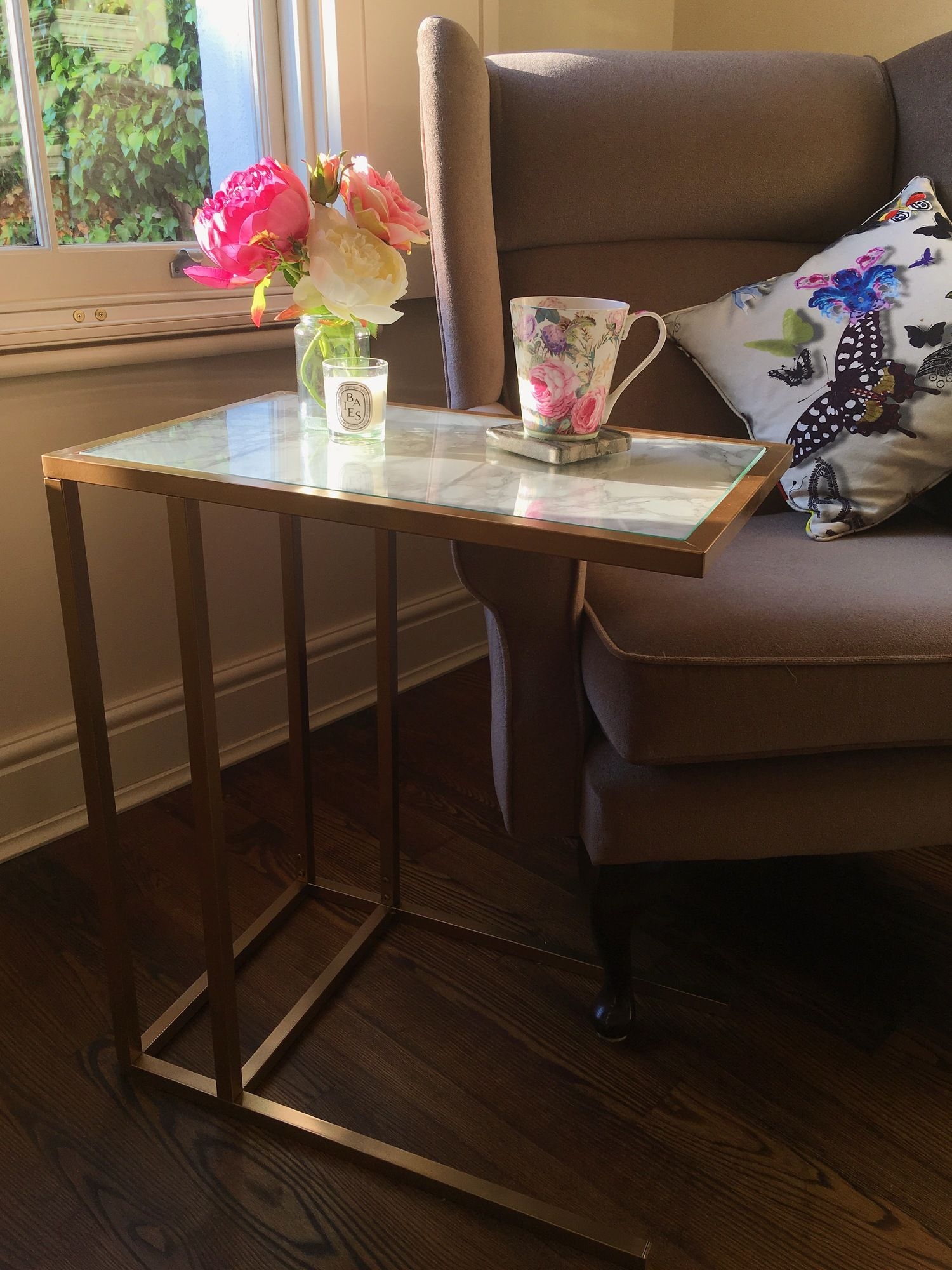 Create This Gold & Marble Side Table With This Easy Ikea Hack