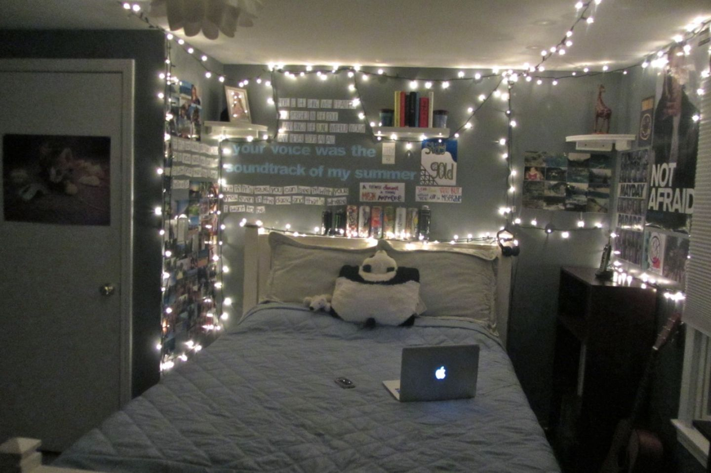 Cool rooms with lights tumblr - Bedroom Tumblr Girl Bedrooms With Awesome Light And Imac On The