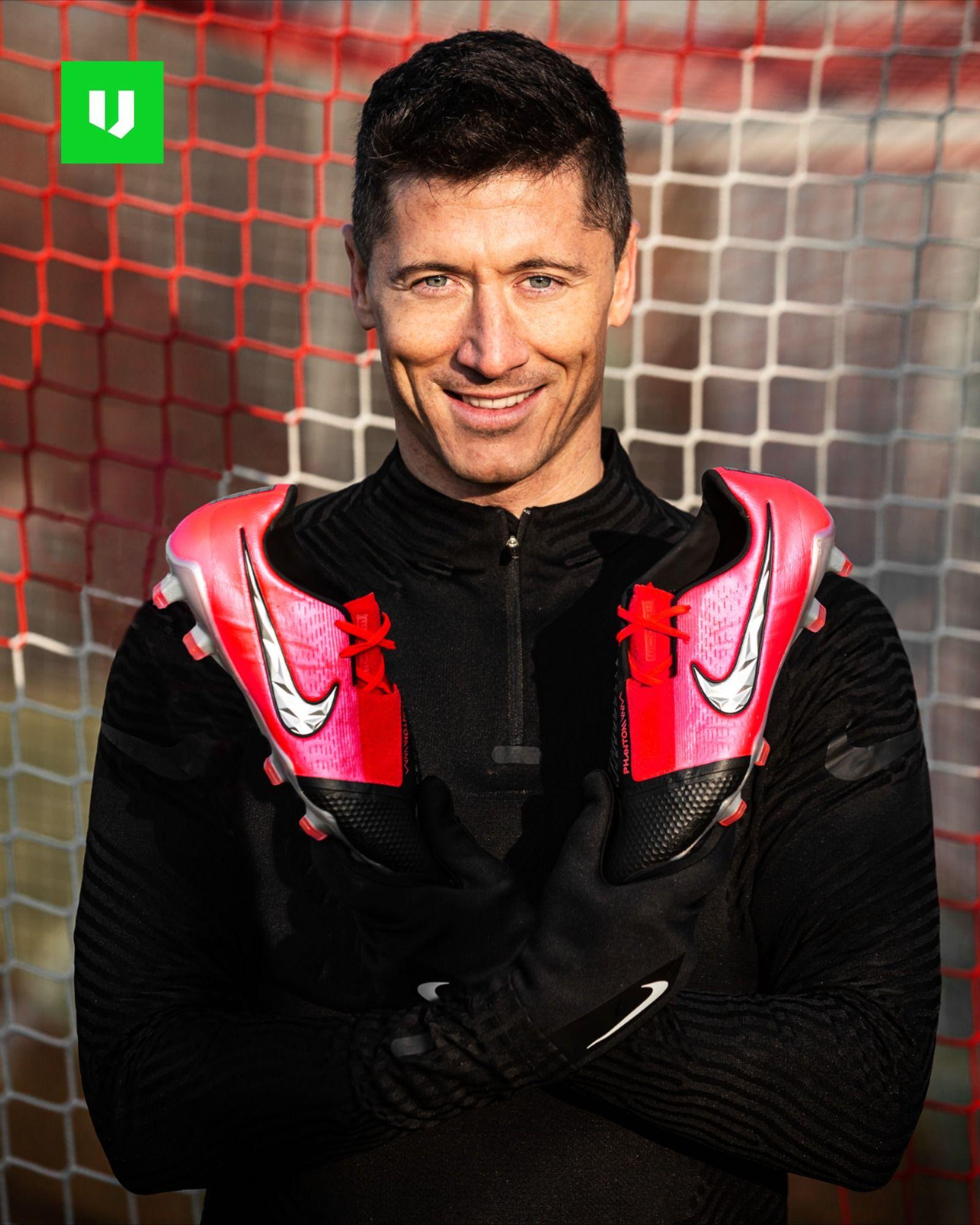 robert lewandowski football boots