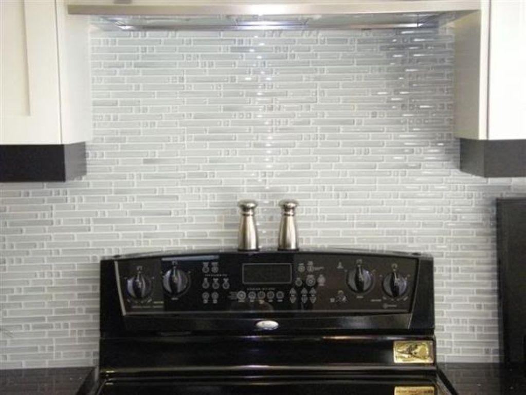 26 Awesome Ideas Kitchen Glass Tile Backsplash Pictures For You