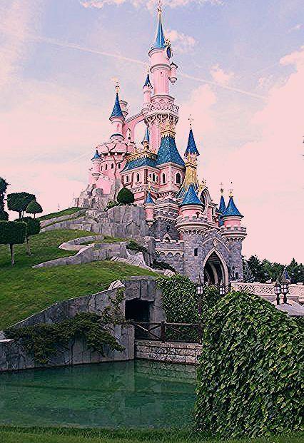 Chateau Disney land Paris