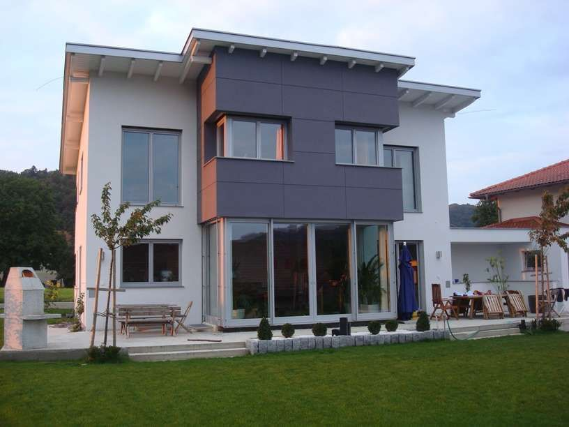 innenhof spanischer h user wohn design. Black Bedroom Furniture Sets. Home Design Ideas