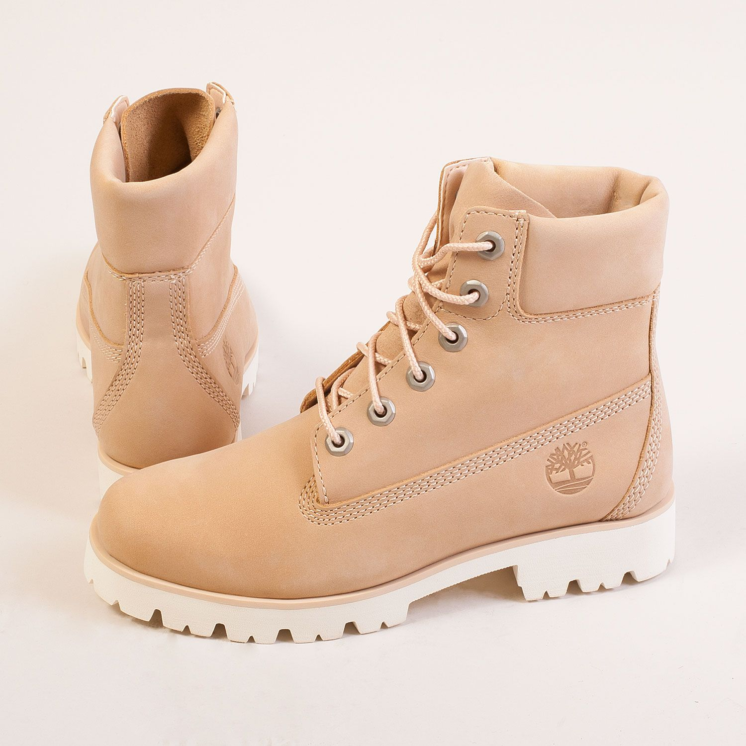 Iconic 6 Inch Heritage Lite Boot by Timberland in a summery