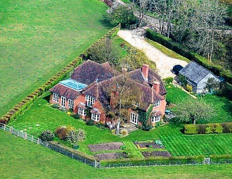 Prince William And Kate Middleton Travel To Her Family Home In Bucklebury