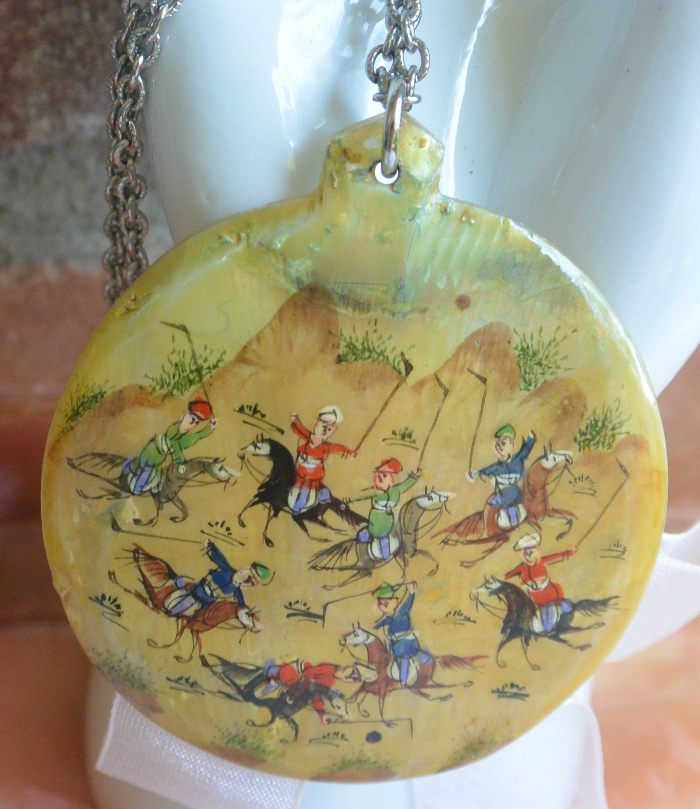 Vintage Painted Mother of Pearl necklace