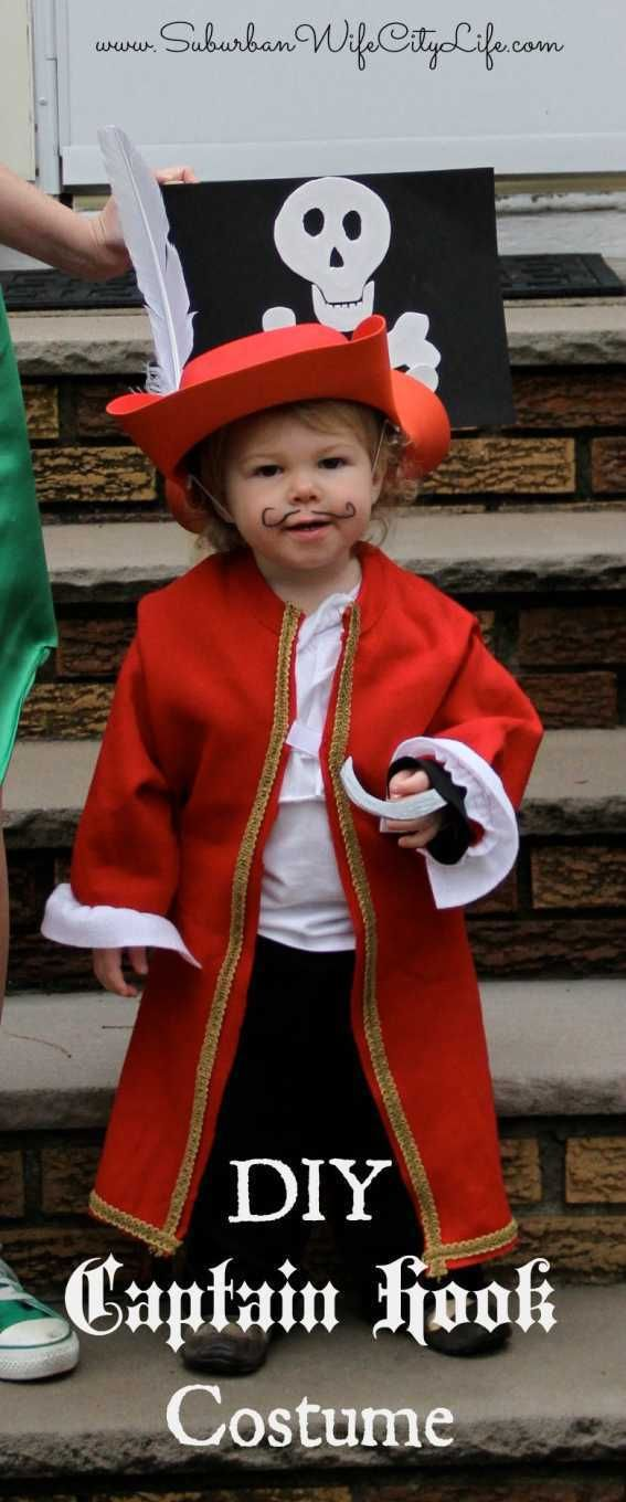 DIY- Captain Hook Costume Using A Sweatshirt | Suburban Wife, City Life #diypiratecostumeforkids