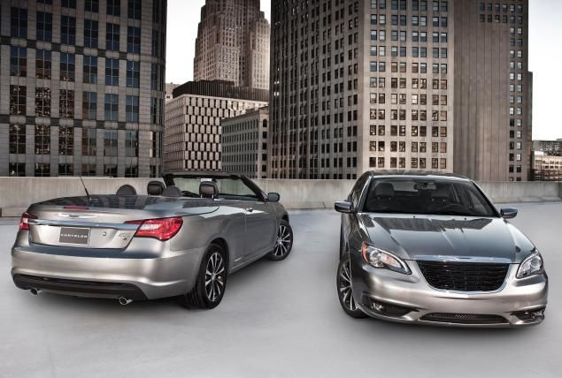 Chrysler Notifies Owners Of Its 200 And Dodge Avenger Midsized