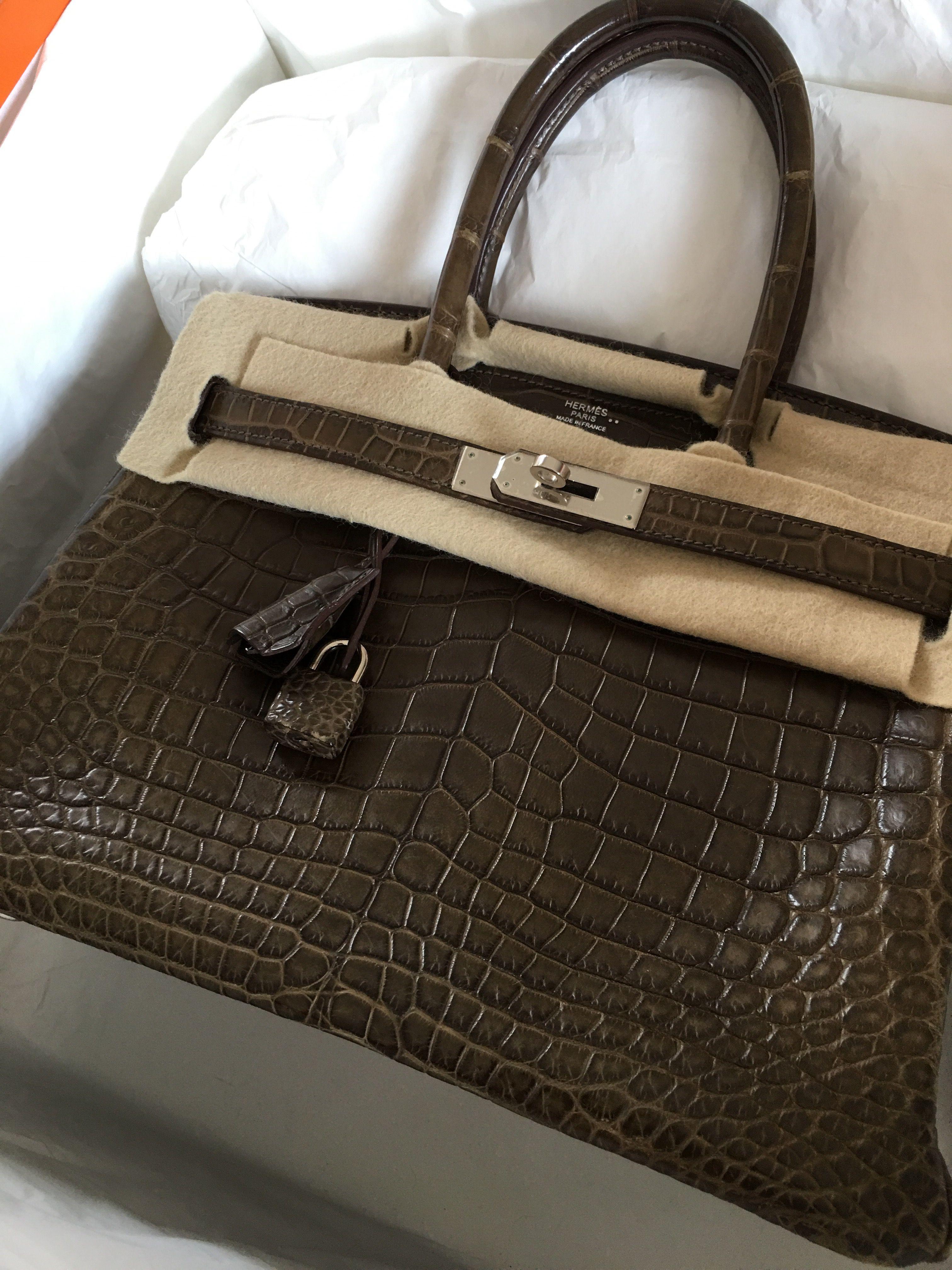Model: Hermes Birkin 30 Crocodile Year: Q Color: Gris Elephant Leather:  Niloticus