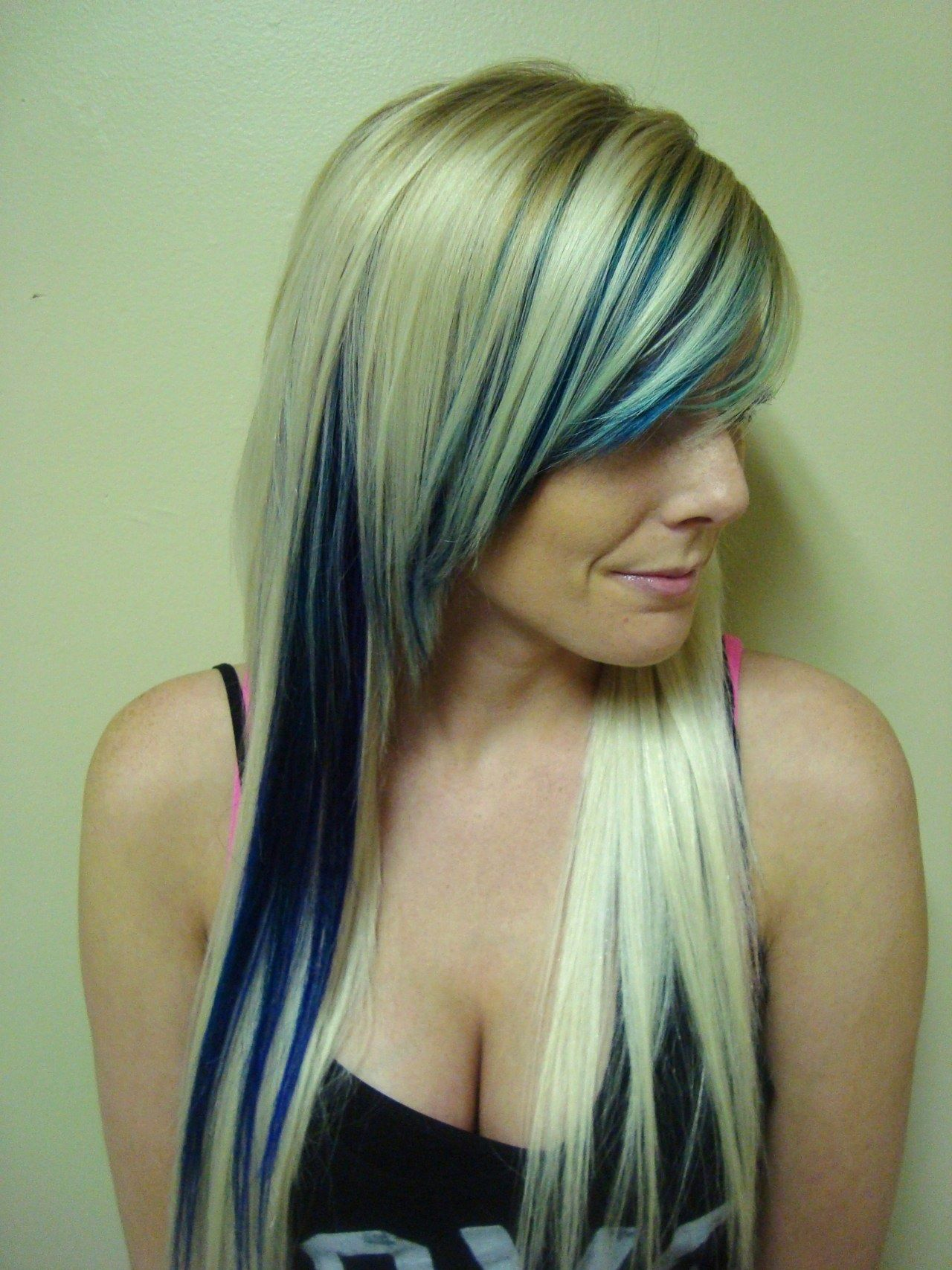 Blonde with blue highlights | Hairr