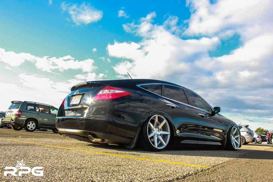 WOW! Honda Crosstour + Vossen CV7 \u003d OMG Customer Submissions