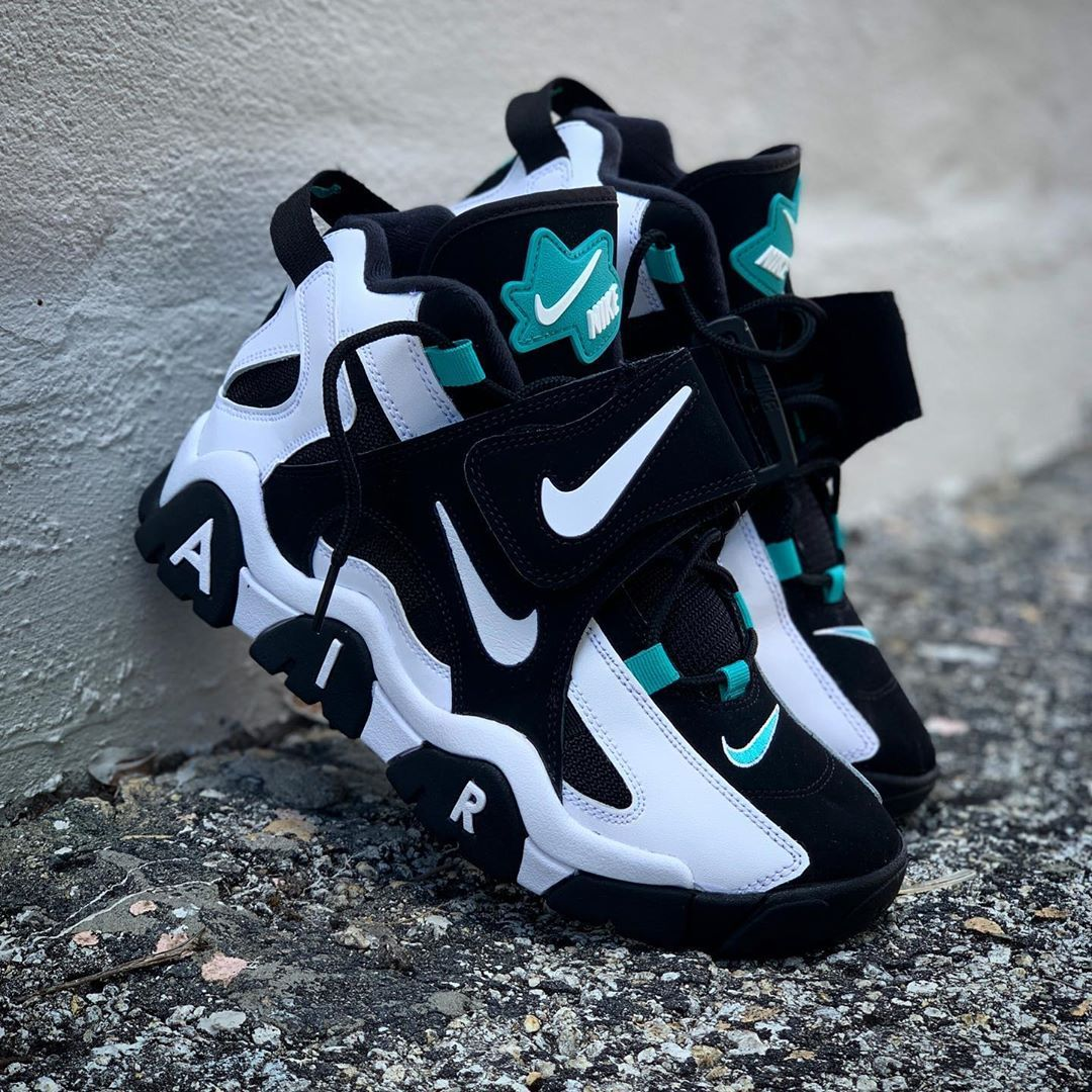 NEW ARRIVALS! Nike Air Barrage Mid (FreshWater) Now
