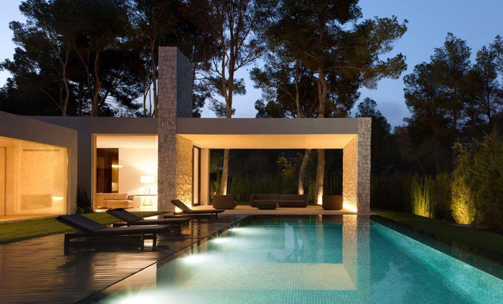 Moderne bungalow met overdekt terras tuinverlichting tuin