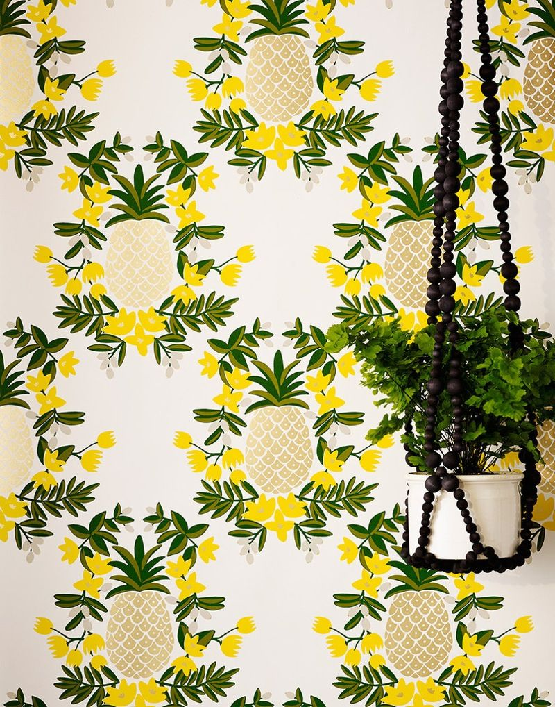 Wallpapers from HYGGE & WEST http://www.hyggeandwest.com/products/pineapple-ebony