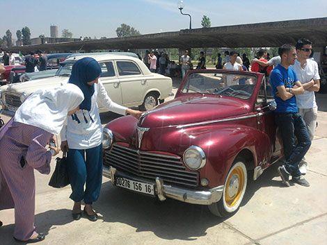 Resultat De Recherche D Images Pour صور سيارات قديمة Antique Cars Antiques Car