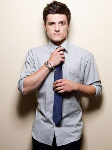 Josh Hutcherson D O B 12 10 1992 Libra Josh Hutcherson Hunger Games Peeta Mellark He gets to pick which woman he. pinterest