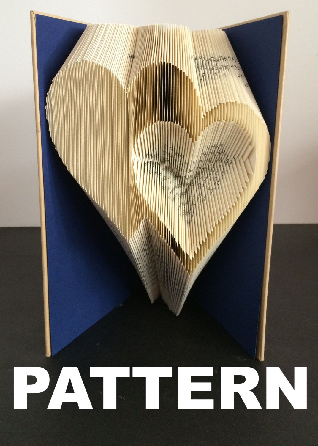 book folding pattern double hearts free instructions. Black Bedroom Furniture Sets. Home Design Ideas