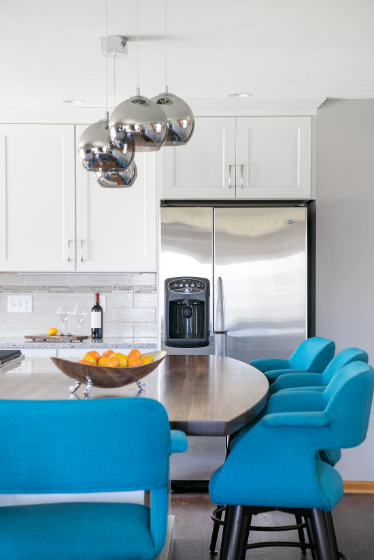 Beautiful White Cabinets With Blue Accent Chairs Kitchen Inspiration Design White Kitchen Traditional Country Kitchen