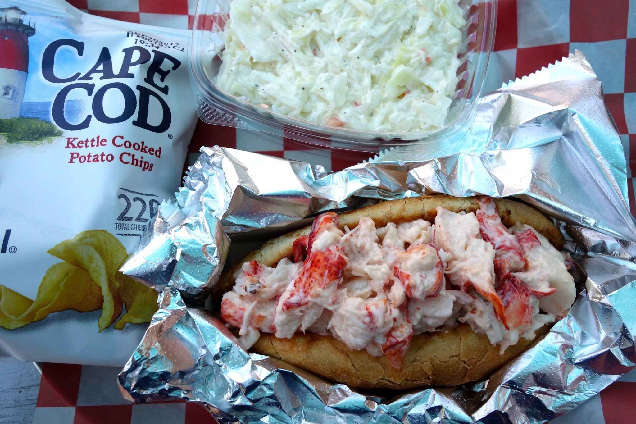 Lobster Roll Boston James Hook The Alyst Com Best Lobster Roll Fresh Lobster Cooking