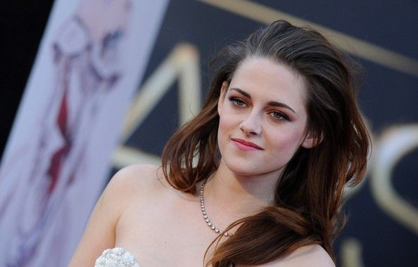 85th Annual Academy Awards - Arrivals..Dolby Theatre, Hollywood, CA..February 24, 2013..Job: 130224A1..(Photo by Axelle Woussen)..Pictured: Kristin Stewart.