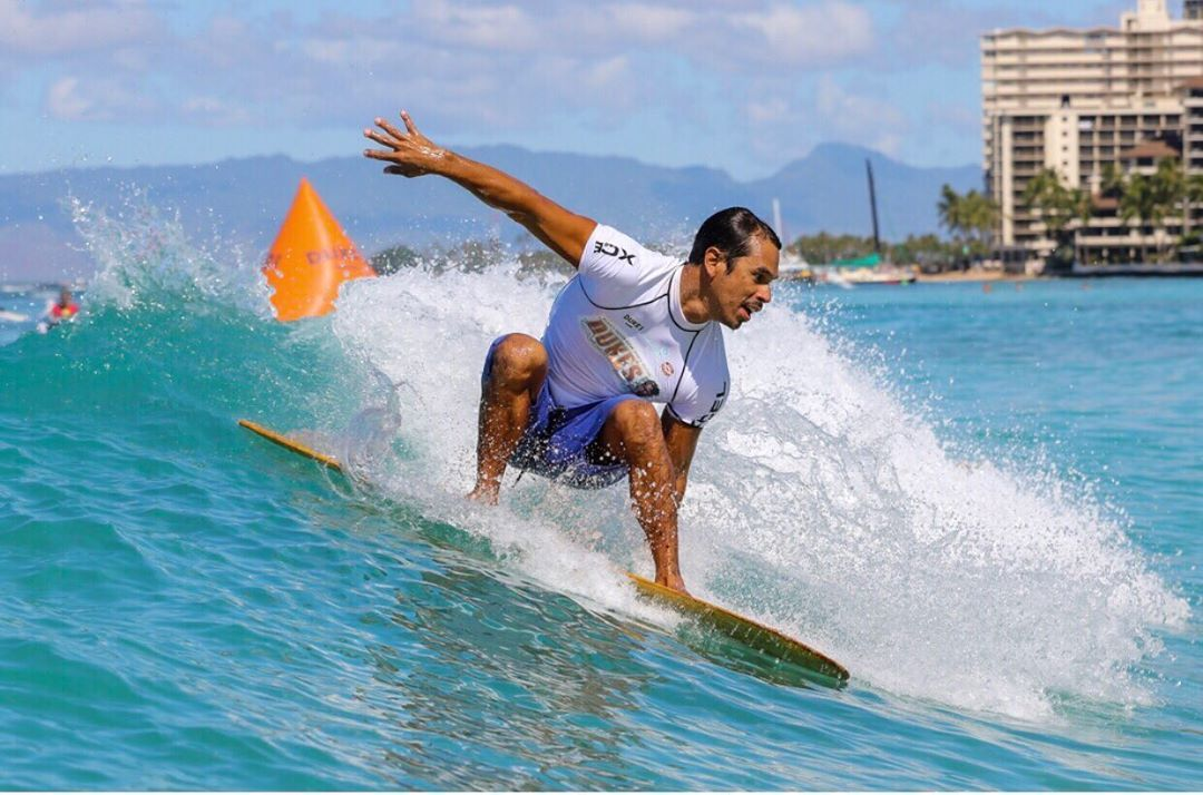 Special Oceanfront Resort In Waikiki Pc Outriggerwaikiki From Surfing To Beach Volleyba Hawaiian Resorts Sand Volleyball Court Hawaii Luau