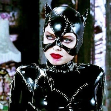 Catwoman Michelle Pfeiffer en 1991 puis Halle Berry en