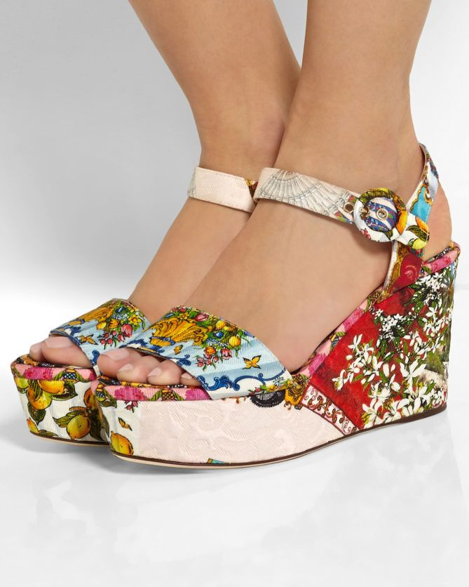 FOOTWEAR - Toe post sandals Dolce & Gabbana