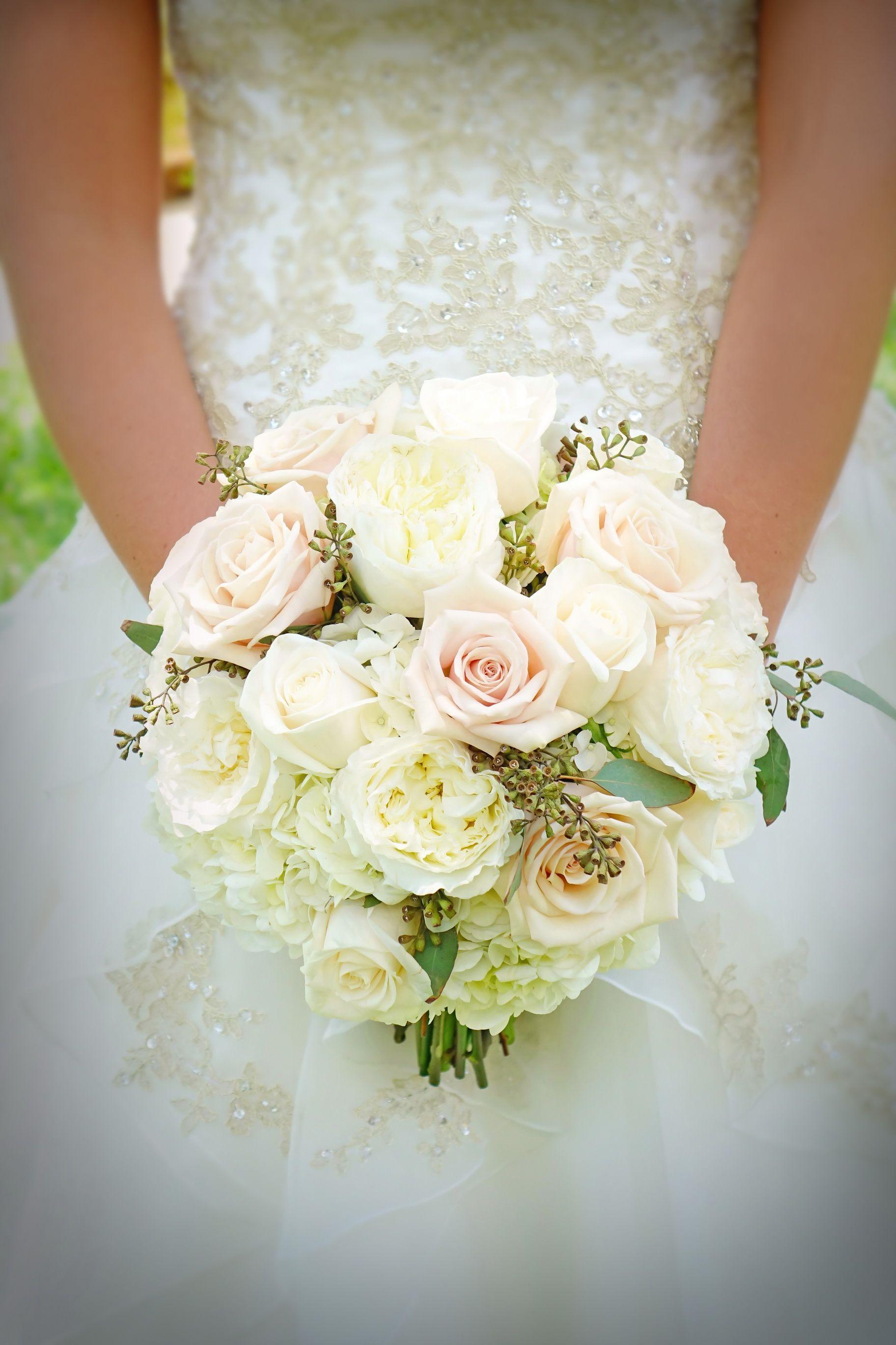 #outdoor wedding #beach wedding #gold wedding #light pink wedding #ivory rose bridal bouquet # garden bridal bouquet #Florida destination wedding