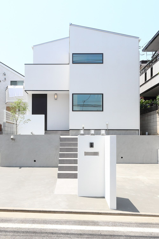 武蔵野市のシンプルモダンな家 ジェネシスの施工写真 性能とデザインにこだわった注文住宅 ブルックリンスタイル 家 外構 デザイン シンプルモダン 外観 住宅 モダン
