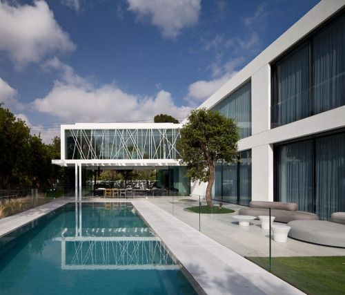 House Of Parties Minimalist House Architects And House