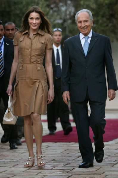 Carla Bruni-Sarkozy Photos - President Sarkozy And Carla Bruni Arrive In  Israel - Zimbio 2c22eadb1364